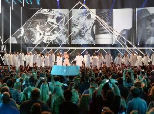 2013 CMT Music Awards - Show