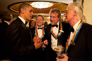 800px-Barack_Obama_speaks_to_Led_Zeppelin