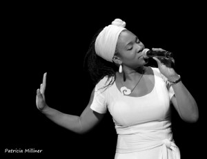 India.Arie's aura glowed with warmth when she took the stage.