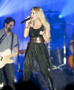 Carrie_Underwood_in_April_2011_(2)
